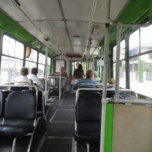 Viešąjį transportą keleiviai vadina pirtimi