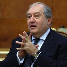 Šaltiniai: Armėnijos prezidentas susitinka su generalinio štabo viršininku