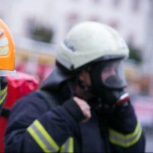 Klaipėdos rajone degė pjaustoma metalinė cisterna su naftos produktais