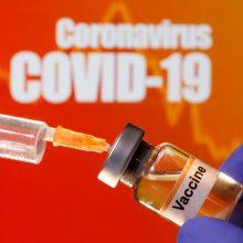 Vengrijoje techninis sutrikimas laikinai paralyžiavo skiepijimą nuo COVID-19