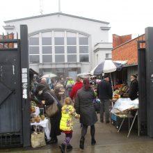 Pirkėjas pasipiktino vaisių ir daržovių kainomis turguje