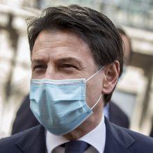 Žiniasklaida: Italijos premjeras G. Contė antradienį atsistatydins