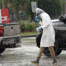 JAV vėl intensyvėjant COVID-19 epidemijai Teksasas stabdo ekonomikos šildymą