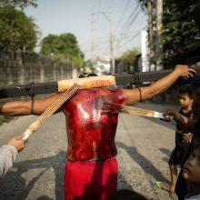 Didysis penktadienis Filipinuose – su nukryžiavimais ir plakimais