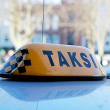 Sostinėje taksi automobilis perėjoje partrenkė moterį