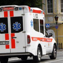 Moters vairuojamas BMW Klaipėdos degalinėje sužalojo mergaitę