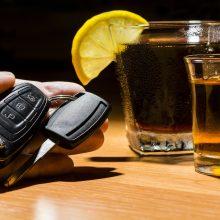 Sveikatos politikų receptas: kaip alkoholikui gauti vairuotojo pažymėjimą