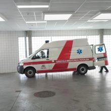 Tauragėje po automobilio ratais pateko nepilnametis: sužalota koja ir galva