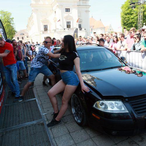 Automobilių šou Kauno gimtadienyje  © Laimučio Brundzos nuotr.