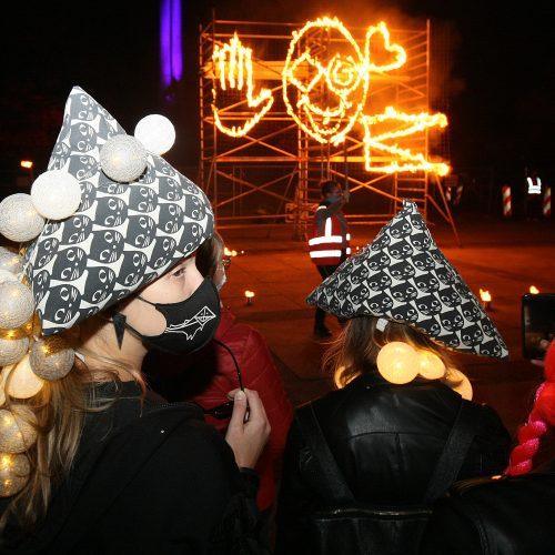 """""""Fluxus"""" festivalį vainikavo kopimas į Parodos kalną"""