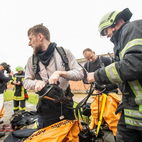 Ugniagesių pratybos IX forte  © Justinos Lasauskaitės nuotr.