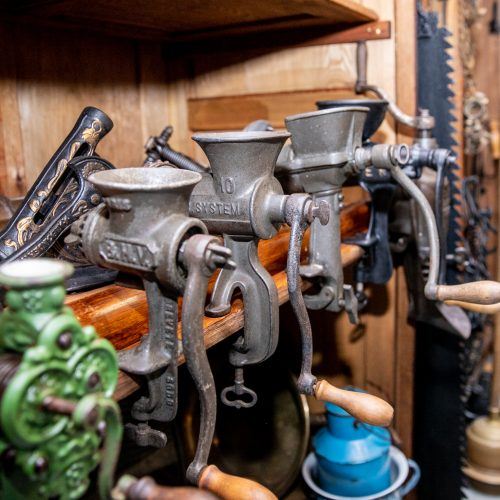 """""""Atominiame bunkeryje"""" atkurtos tarpukario Kauno žydų parduotuvės  © Justinos Lasauskaitės nuotr."""