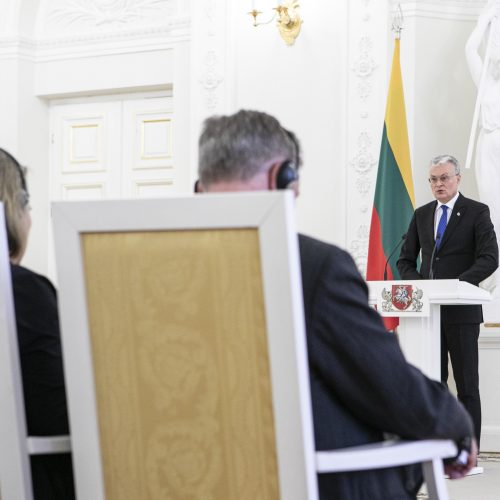 Prezidentas susitiko su užsienio ambasadoriais