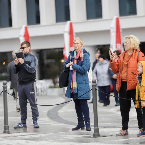 Judėjimo sveikuoliai okupavo Vienybės aikštę  © J. Lasauskaitės nuotr.