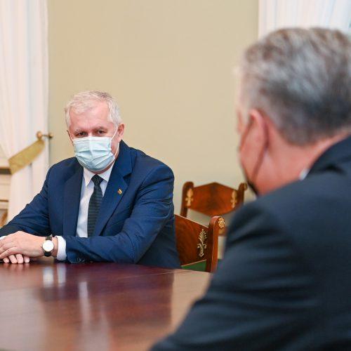 G. Nausėda susitinka su kandidatu į ministrus A. Anušausku  © R. Dačkaus / Prezidentūros, I. Gelūno / Fotobanko nuotr.