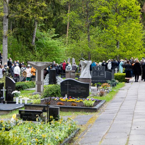 Į amžinojo poilsio vietą išlydėta R. Kmieliauskaitė  © I. Gelūno / Fotobanko nuotr.