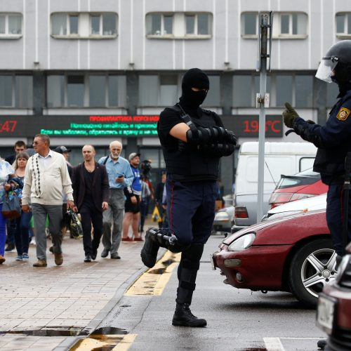 Baltarusijoje vėl suiminėjami protestuotojai