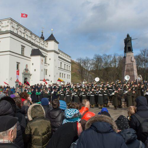 Prie Vilniaus arkikatedros – jungtinis Baltijos šalių orkestras  © Butauto Barausko nuotr.