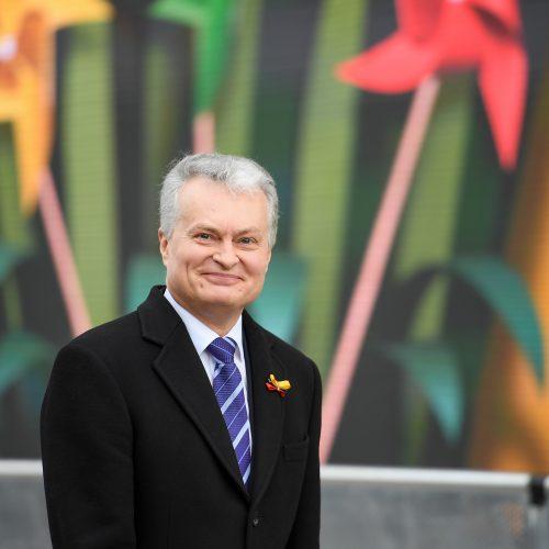 Nepriklausomybės aikštėje plevėsuoja trijų Baltijos valstybių vėliavos  © R. Dačkaus / LR Prezidento kanceliarijos nuotr.