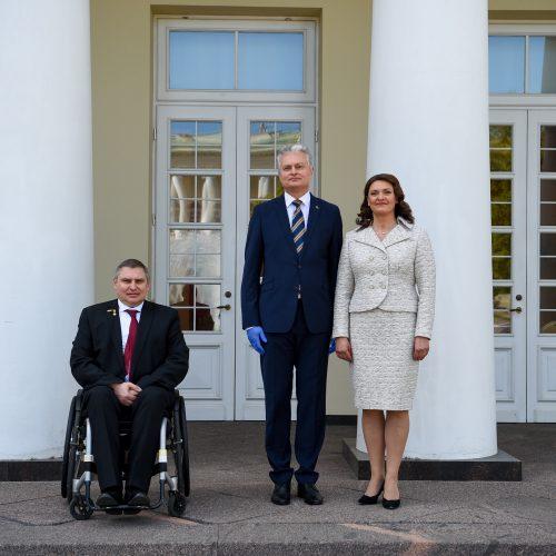Prezidentas tėvams padėkojo už pavyzdingą tėvystę  © R. Dačkaus /Prezidentūros nuotr.