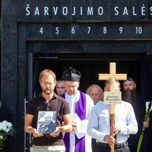 Saksofonininko R. Brazaičio laidotuvės