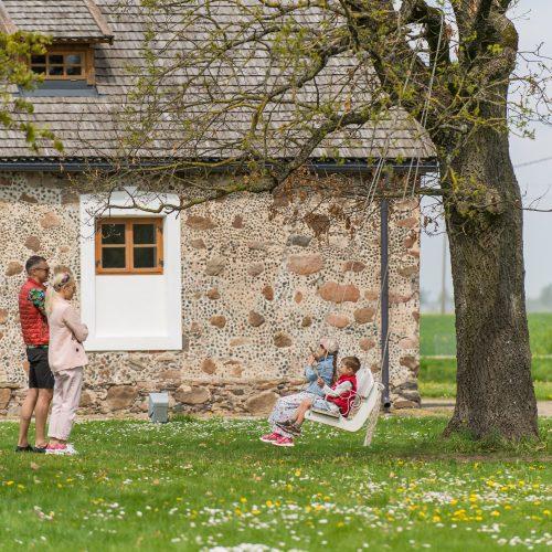Burbiškio dvaro parke – tulpių jūra  © Butauto Barausko nuotr.