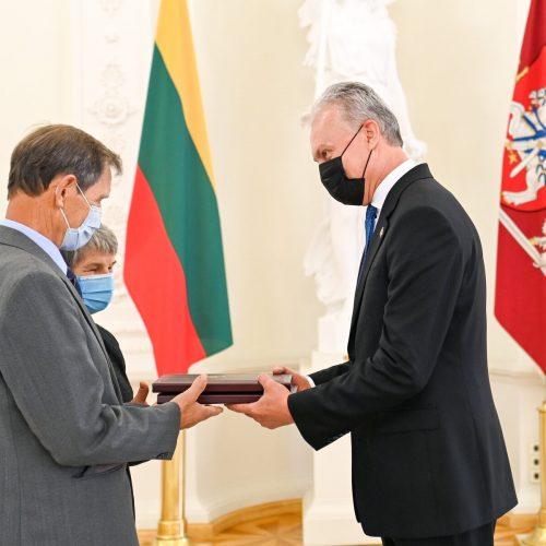 Prezidentas apdovanojo žydų gelbėtojus  © R. Dačkaus / Prezidentūros nuotr.