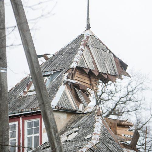 Nugriauta tarpukario vila Žaliakalnyje po žiemos  © Vilmanto Raupelio nuotr.