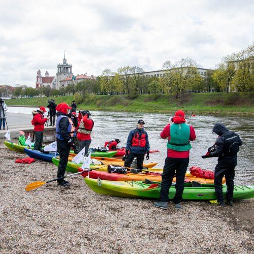 Iš Viliaus išvyko dvylika savanorių, kurie baidarėmis plausk iki Nidos  © I. Gelūno / Fotobanko nuotr.