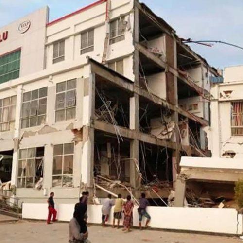 Stiprus žemės drebėjimas Indonezijoje   © Scanpix nuotr.
