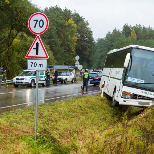 Autobuso ir dviejų lengvųjų automobilių avarija Kačerginėje