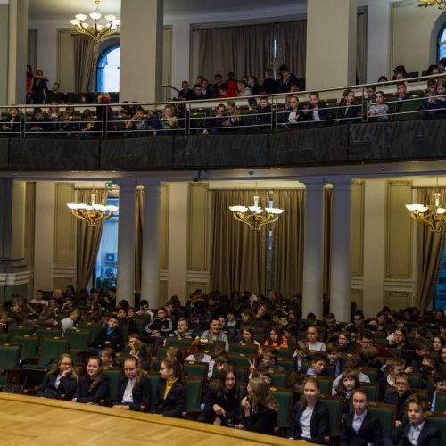 """Ansamblio """"Odabade"""" iš Sakartvelo popietė su moksleiviais  © Laimio Steponavičiaus nuotr."""