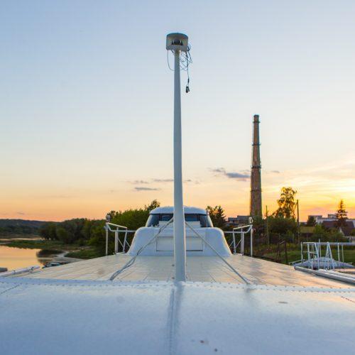 """Laivas """"Raketa"""" ruošiamas nuleidimui į vandenį  © Laimio Steponavičiaus nuotr."""
