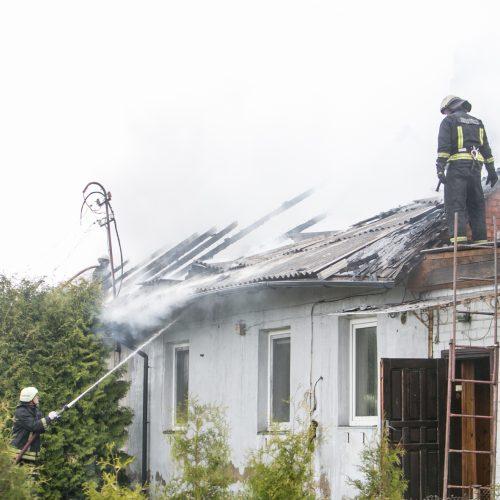 Aleksote degė namas  © Vilmanto Raupelio nuotr.