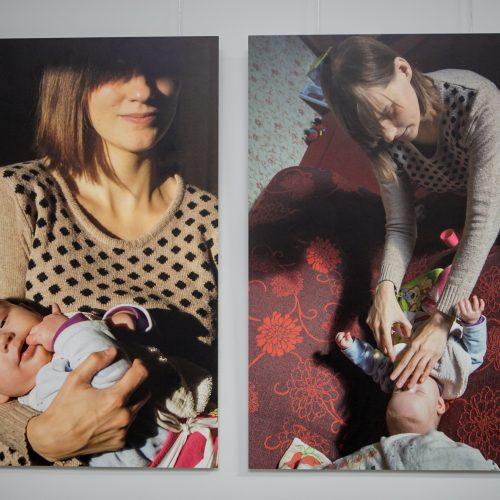 """Atidaryta Romualdo Požerskio fotografijų paroda """"Laura – spinduliuojanti tamsa"""