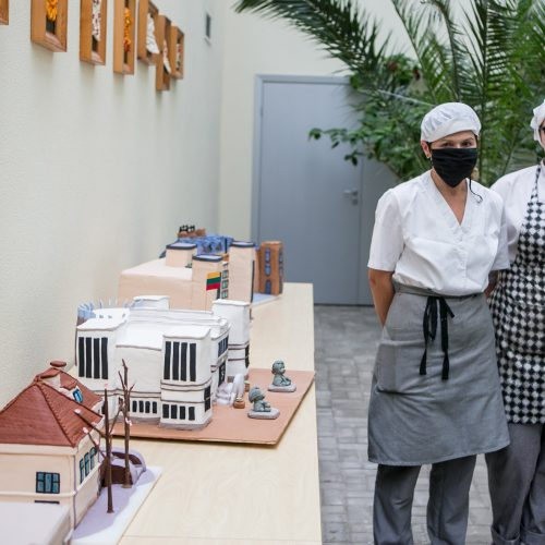 Tarpukario modernistiniai pastatai virto tortais  © Vilmanto Raupelio nuotr.
