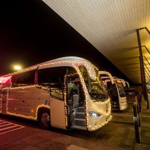 Pirmoji kalėdinio autobuso kelionė mieste  © Vilmanto Raupelio nuotr.
