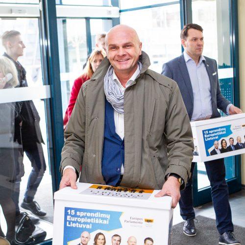 Parašų pristatymas VRK dėl dalyvavimo EP rinkimuose