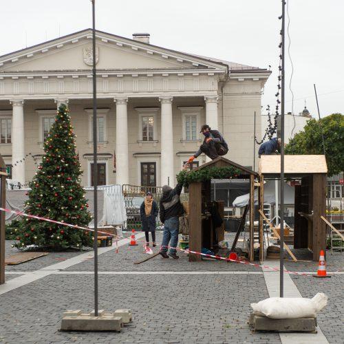 Vilniečius nustebino Kalėdų eglė Rotušės aikštėje