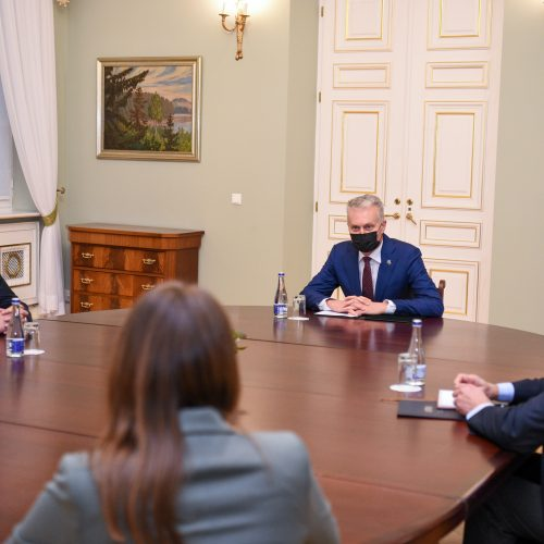 Prezidentas susitiko su K. Adomaičiu  © P. Peleckio / Fotobanko, R. Dačkaus / Prezidentūros nuotr.