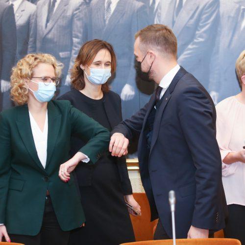 Trijų partijų lyderiai pasirašė koalicinę sutartį  © M. Morkevičiaus / ELTOS, I. Gelūno / Fotobanko nuotr.