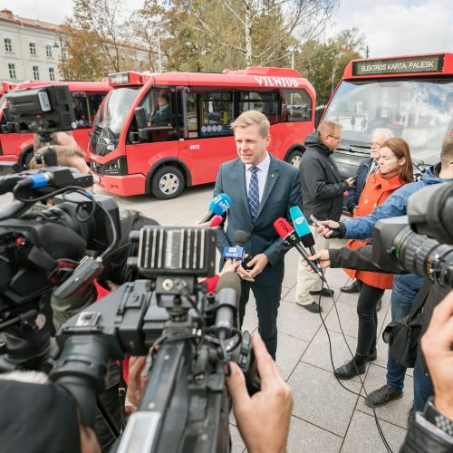 Vilniuje pristatyti pirmieji Lietuvoje elektriniai autobusai  © S. Žiūros nuotr.