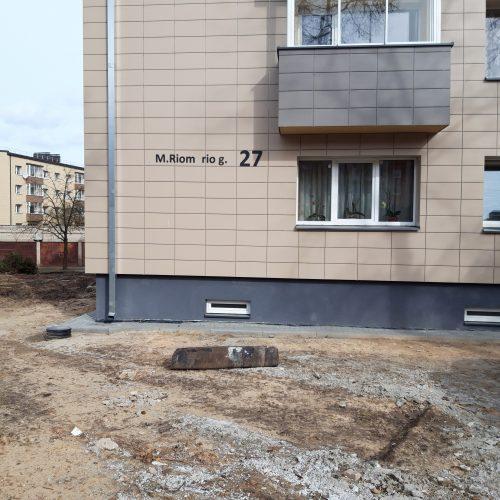 Naujai renovuotas namas neišlaikė vėjo egzamino  © Valdo Kasperavičiaus nuotr.
