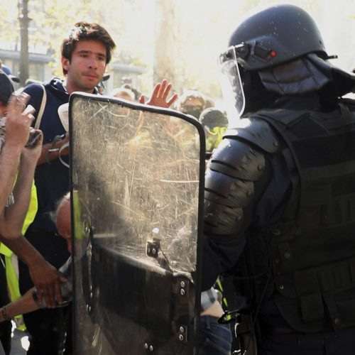 """Paryžiuje vyko """"geltonųjų liemenių"""" protesto akcijos  © Scanpix nuotr."""