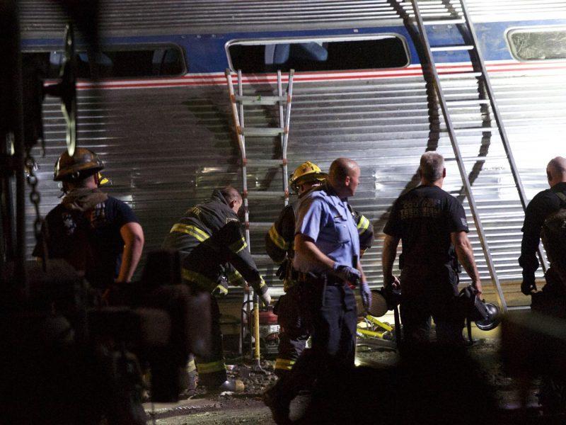 Traukinio katastrofa: mašinistas įjungė avarinius stabdžius prieš pat katastrofą