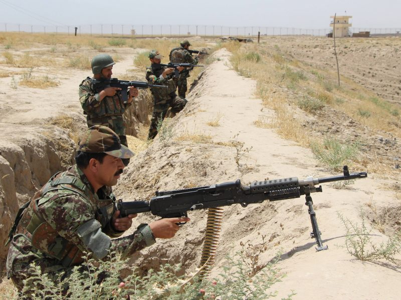 Afganistane smurto mastas auga, nepaisant taikos derybų