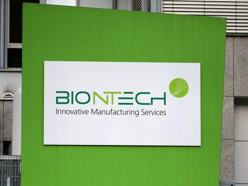 """""""BioNTech"""" per 6 savaites žada naują vakciną nuo naujos koronaviruso atmainos"""