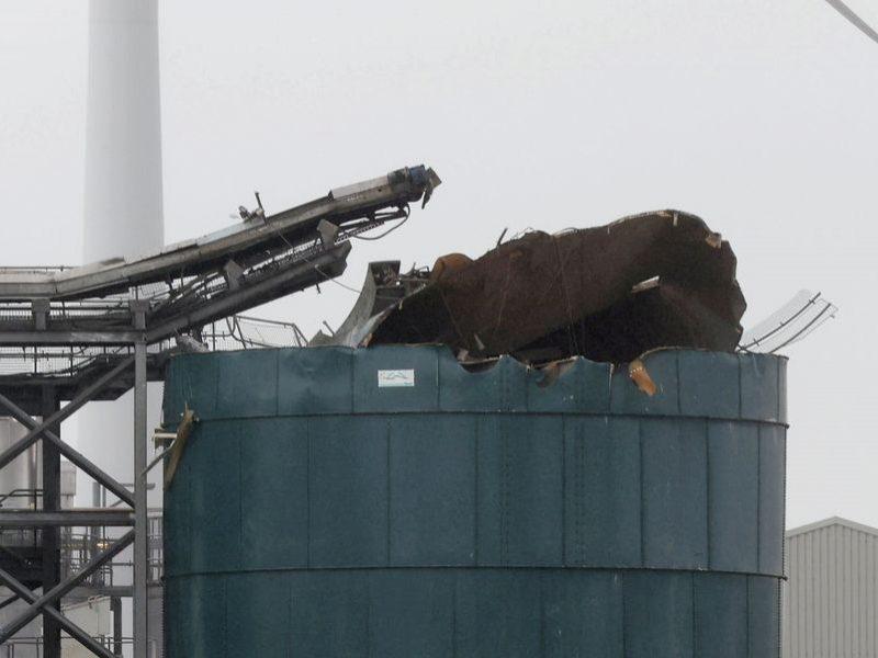 Anglijoje prie nuotekų valymo įrenginio nugriaudėjus sprogimui nukentėjo keli žmonės