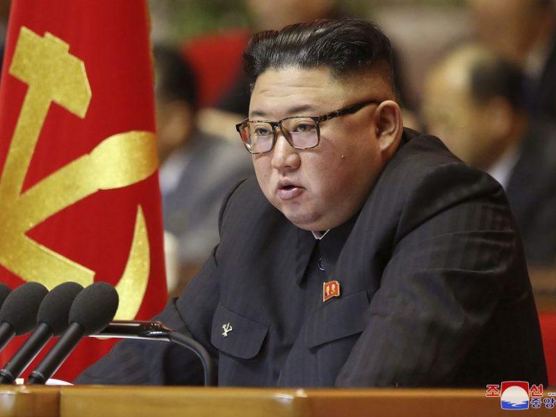 Šiaurės Korėjos diktatorius žada gerinti ryšius su išoriniu pasauliu