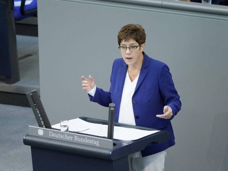Vokietijos gynybos ministrė: D. Trumpo prezidentavimas turi tapti stimulu permainoms